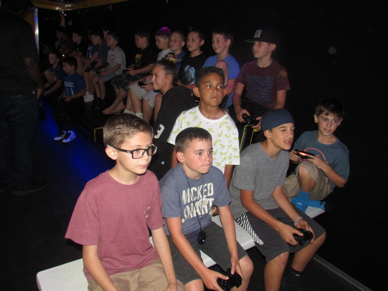 OUT OF COOUT OF CONTROL GAMING | MOBILE VIDEO GAME THEATERNTROL GAMING | MOBILE VIDEO GAME THEATER